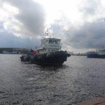 FilmspbTV filmando barcos en San PEtersburgo