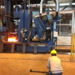 Filmando plantas industriales de metalurgia en Ekaterinbrugo